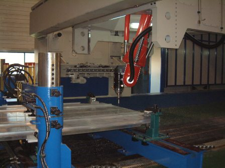 Loxin gantry machine with Tricept T805 at Alstom Barcelona